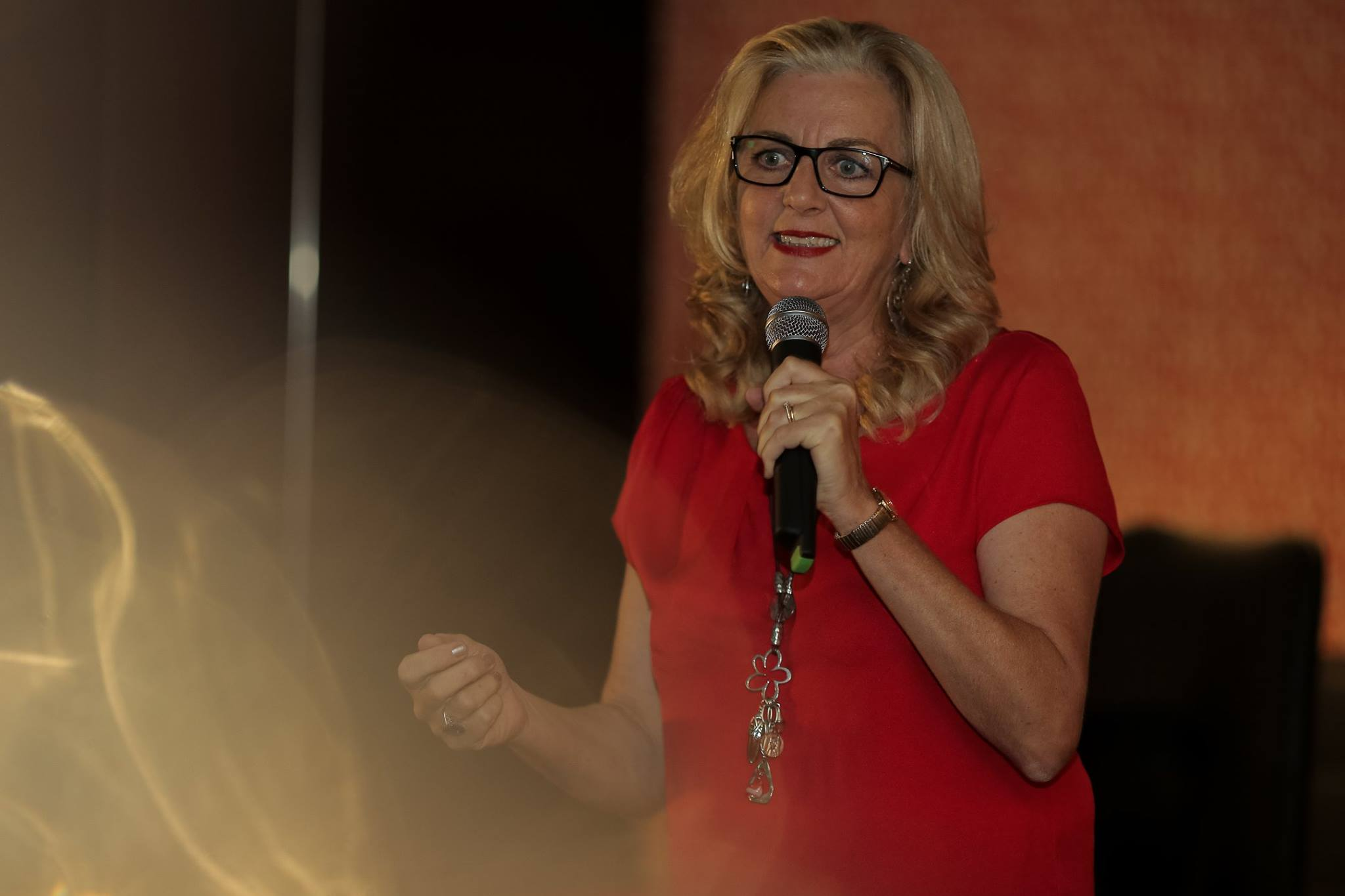 The hilarious and spectacular comedienne and author, Jean Kittson in action