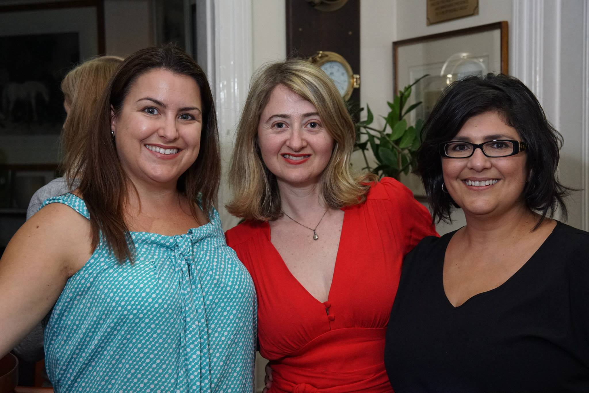 With two lovely creative mamas, Jennifer and Linda Diggle, founder of BookBoffin, who also facilitated one of our Mama Creatives Morning Tea expert digital Masterclasses earlier this year.