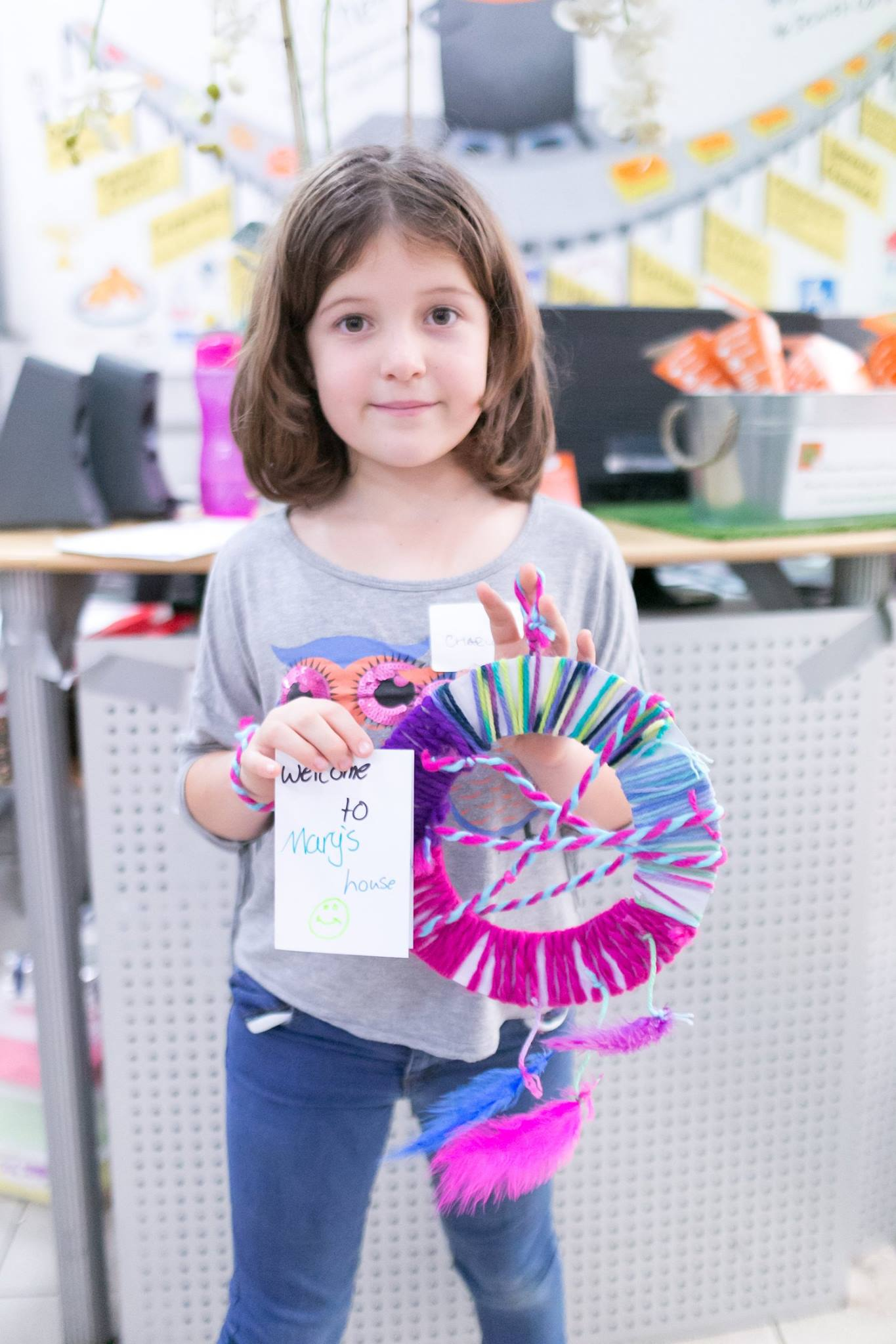 A gorgeous dreamcatcher and welcome card made by kids