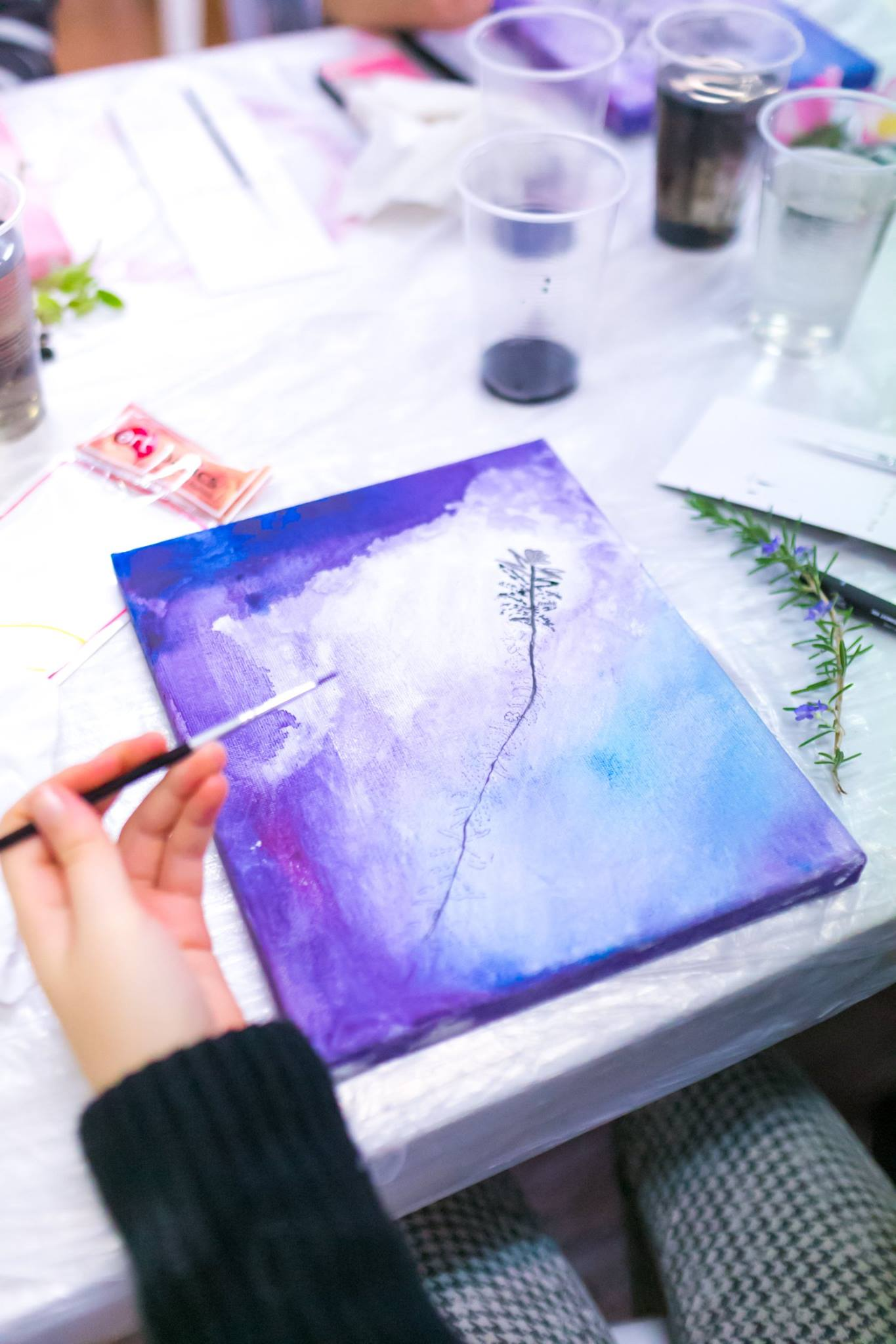 An artwork coming to life, in the creative painting workshop facilitated by painter Yaeli Ohana