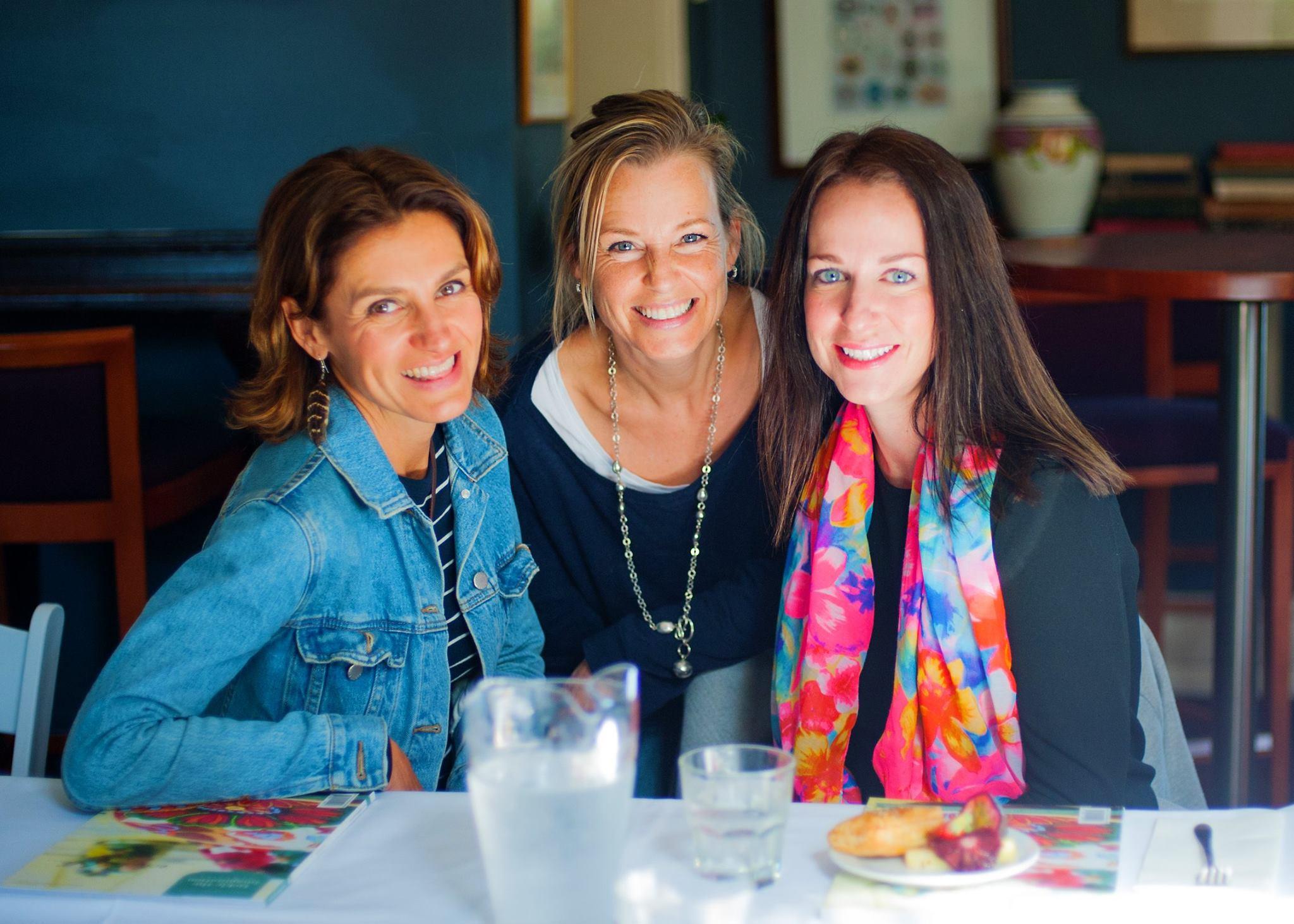 A trio of sexy creative mamas