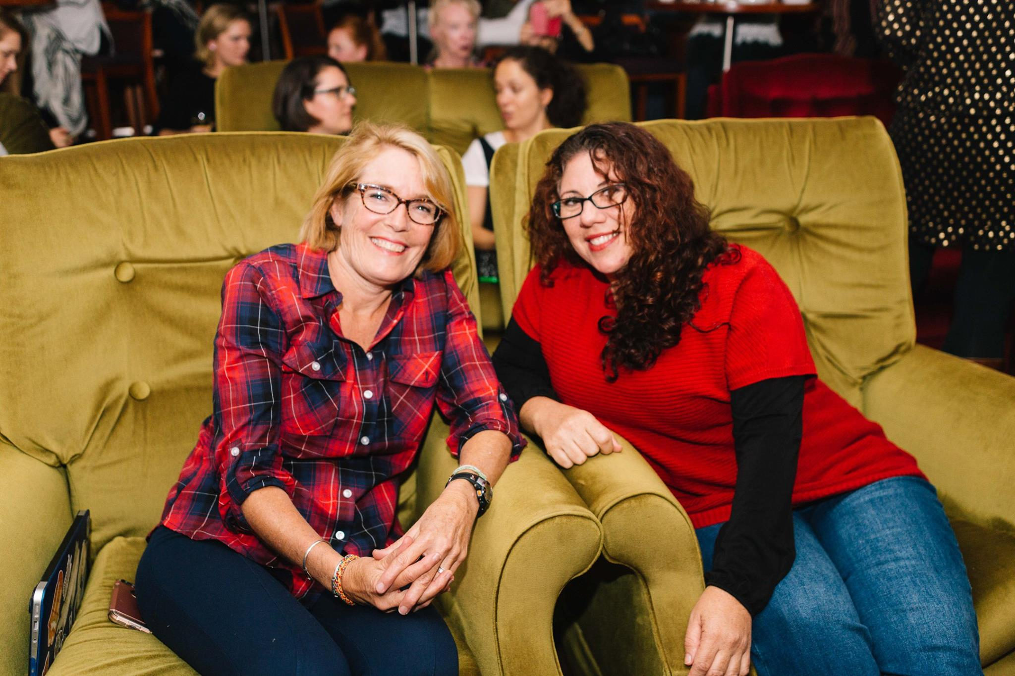 Two fabulous and talented creative mamas, at our Mama Creatives Evening Talk, 'Creativity, Confidence & Pushing your Comfort Zones' featuring Aura Parker.