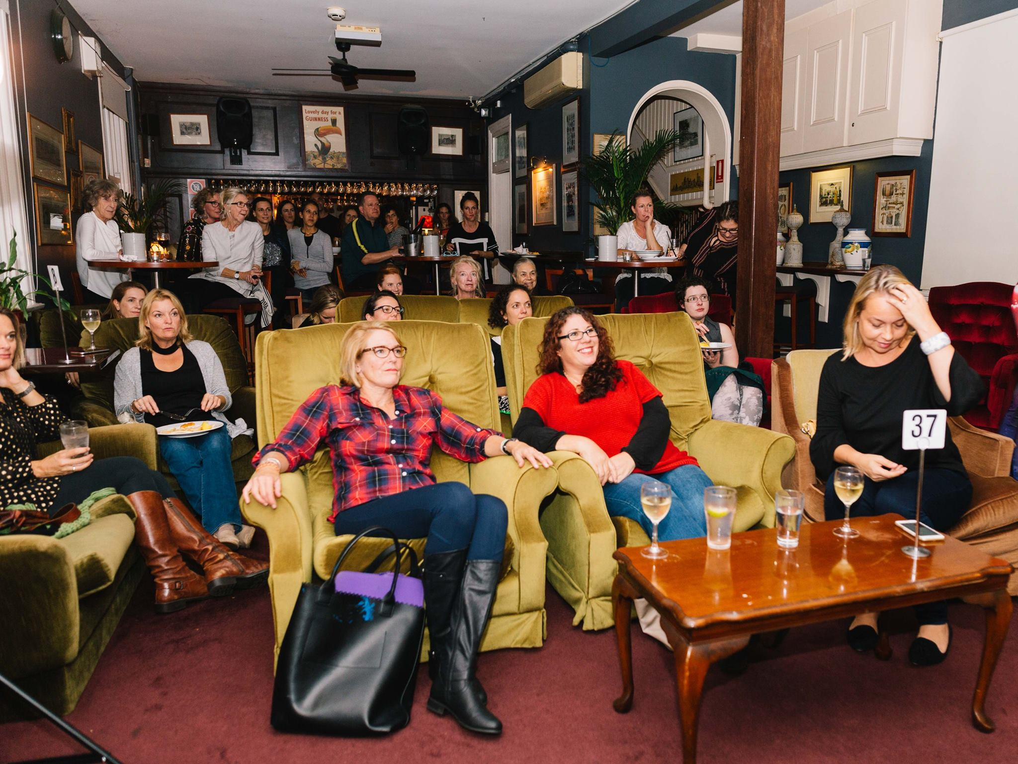 A roomful of talented creative mamas, at our Mama Creatives Evening Talk, 'Creativity, Confidence & Pushing your Comfort Zones' featuring Aura Parker, illustrator, designer & children's book author of 'Twig'.