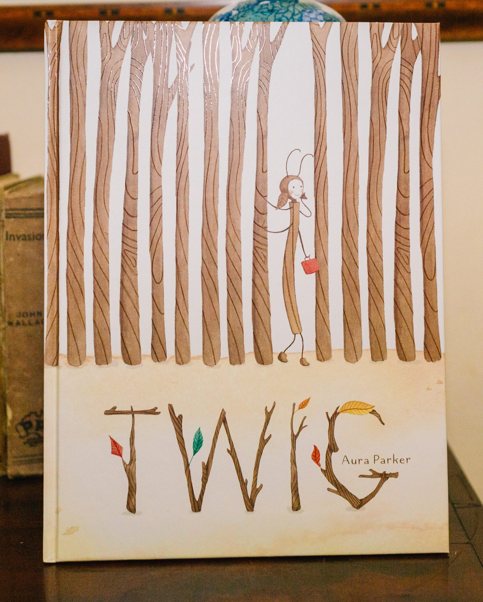 'Twig', wirtten and illustrated by Aura Parker.  Published by Scholastic Press.  http://www.illustrated.com.au/home