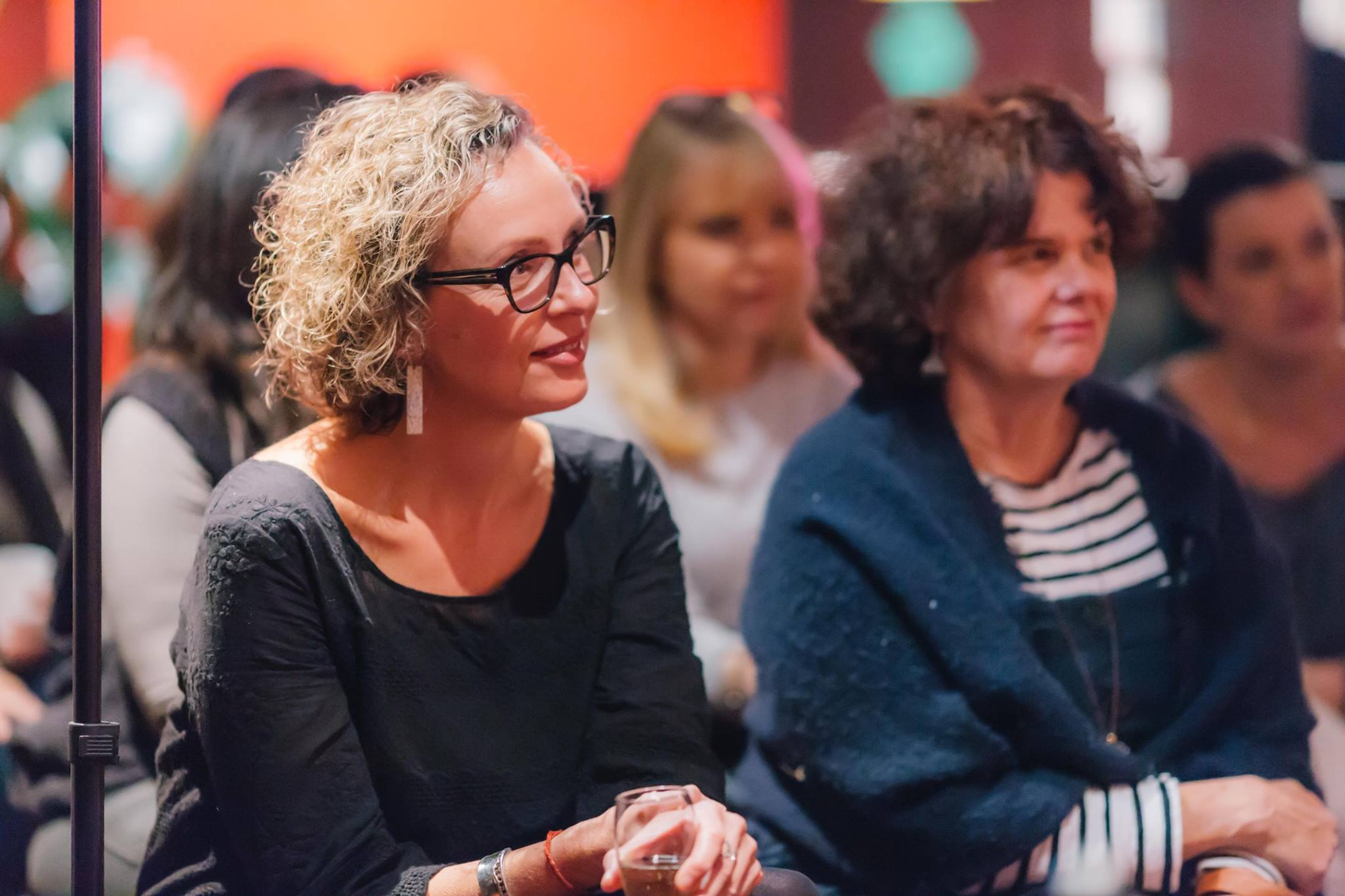 Mamas enjoying an inspiring evening with Zoe Bingley-Pullin, chef, nutritionist, TV presenter and author of the fabulous cookbook 'Falling in Love with Food'.