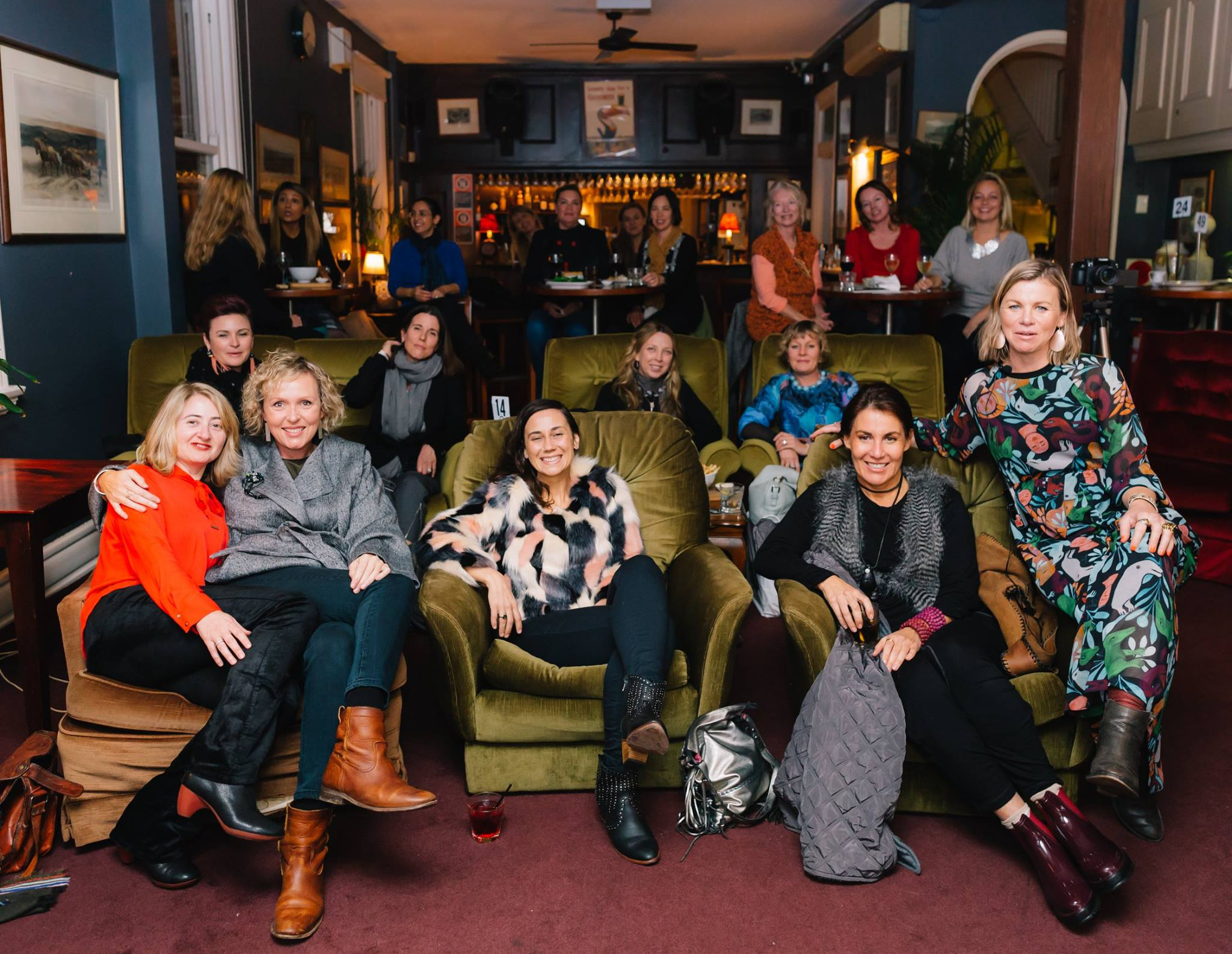A roomful of creative mamas enjoyed an inspiring and cosy winter night out listening to our fabulous featured mama presenter artist Jasmine Mansbridge, discussing 'The Power of Creativity During Times of Adversity'
