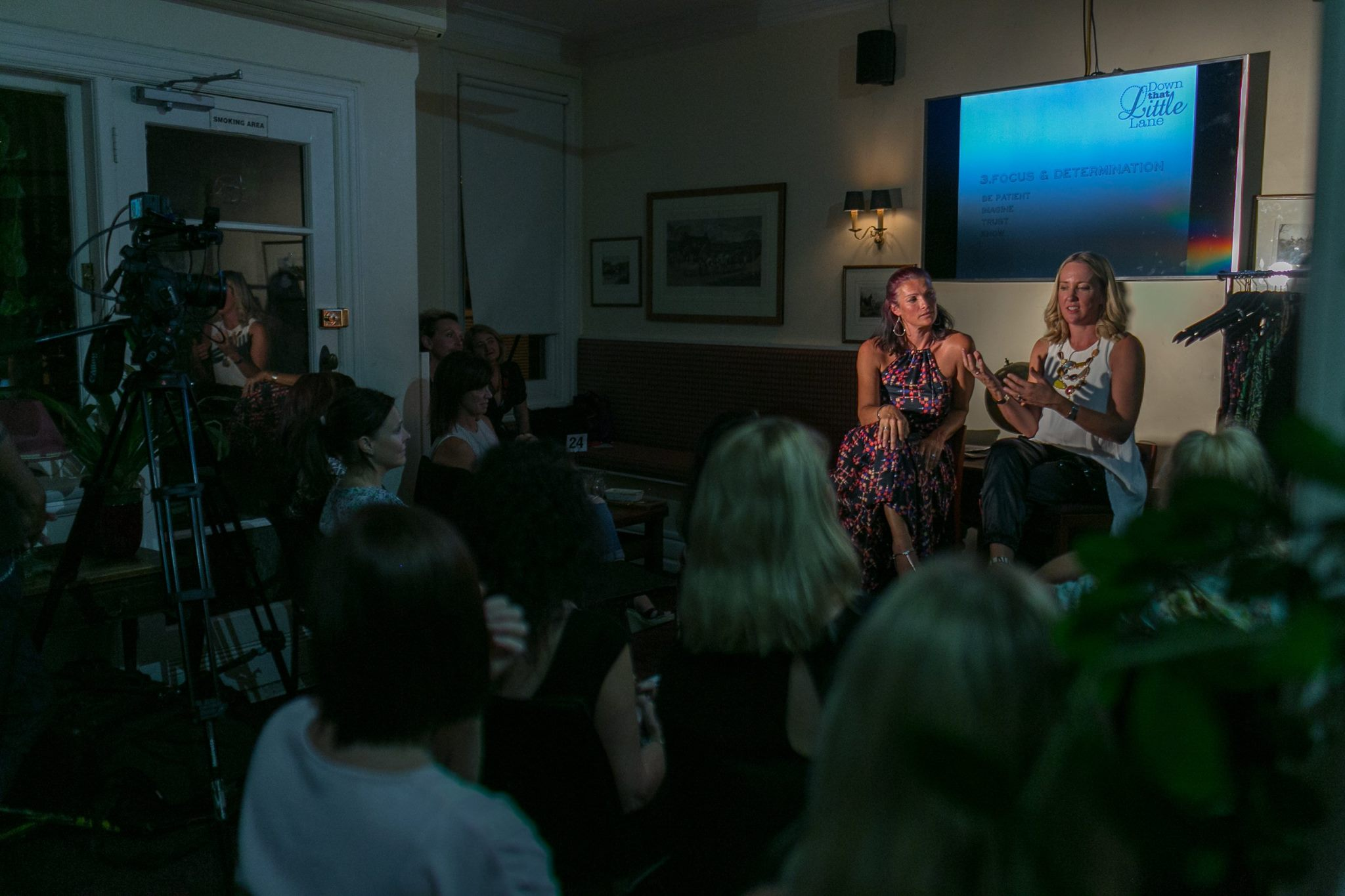 The inspiring Tessa White and Kate Sutton charming a big crowd of creative mamas,