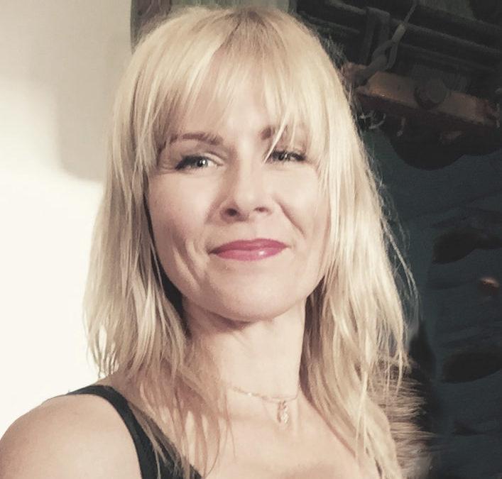 'Motherhood & Magenta: Finding Inspiration after Loss', with artist Susie Dureau
