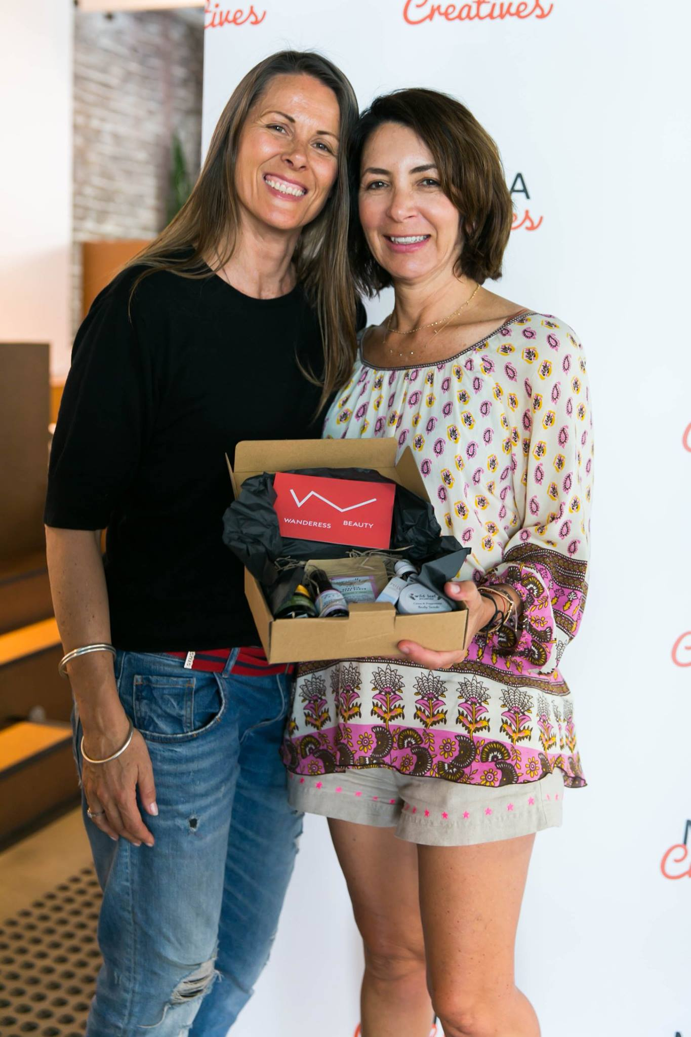 Congratulations to our lucky winner of the incredible Wanderess Beauty box, generously donated by the fabulous creative mamas who run this innovative green beauty brand. Check it out here:  https://www.wanderessbeauty.com/