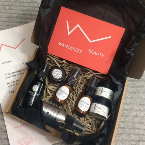 Thank you to the amazing creative mamas at Wanderess Beauty who supported our Creative Mama Workshop charity event for @PANDA Awareness Week with this incredible giveaway - a box full of low tox organic beauty products!   Wanderess Beauty - a spirit, an energy, a vibration.