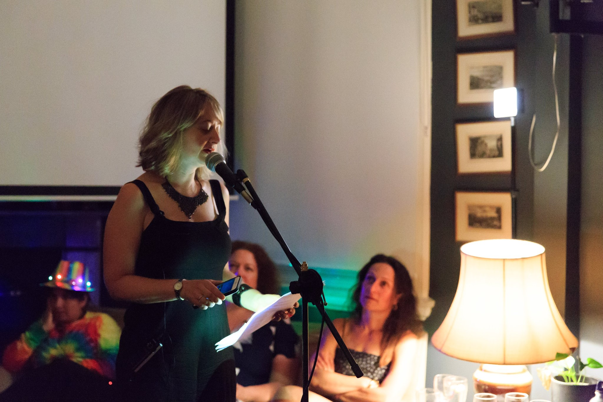 In action! Courageous speaker Anna Kellerman, founder of Mama Creatives, sharing her very personal and courageous life & death story, at our 2017 Story Slam & finale event.